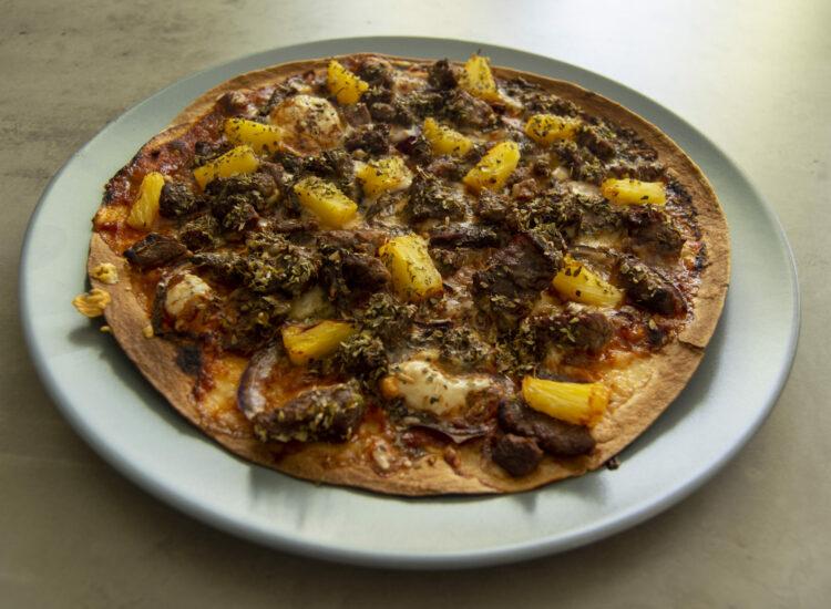 Marinaded beef pizza